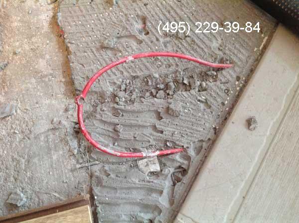 Повреждение на греющем кабеле после установки дюбеля